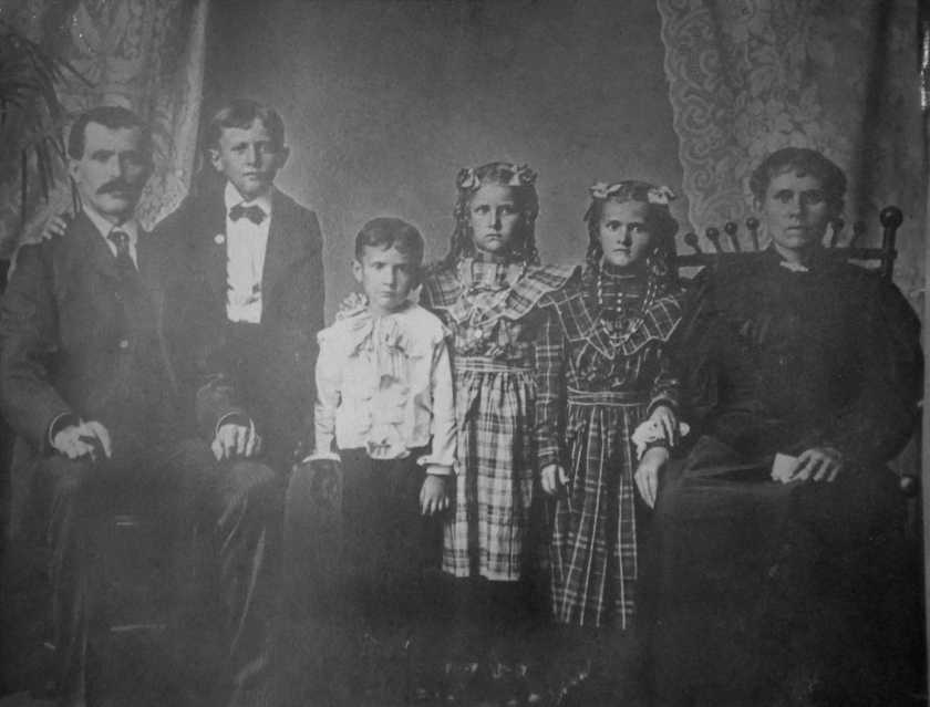Stephanz Family Abt 1905
