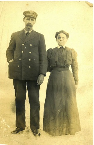John T. Wescott and Martha Chadwick circa 1910_handmade dress