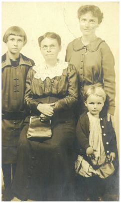 Martha Chadwick, Mabel, Laura, Johnny 1917